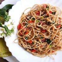 Spaghetti with garlic, basil and chilli