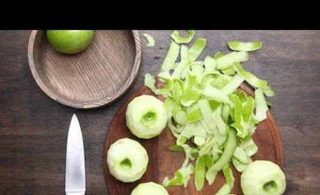 How to Make Caramel Apple Bake