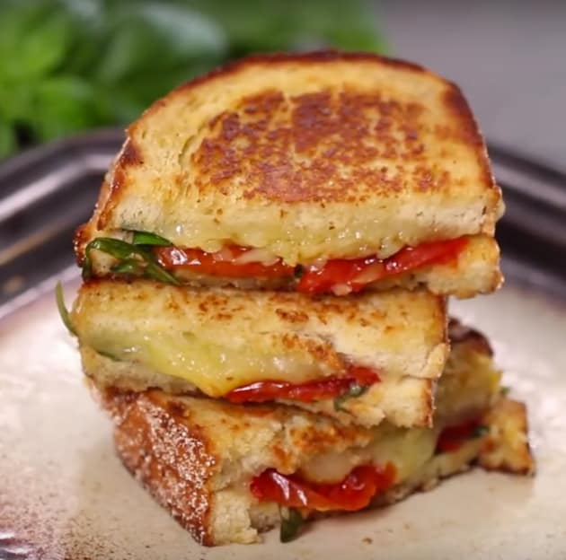 Roasted Tomato and Grilled Cheese Sandwich