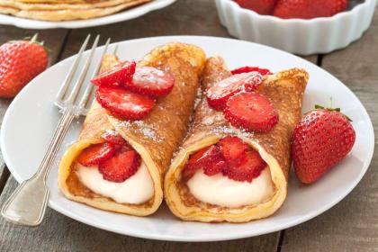 Gluten Free Strawberry Cheesecake Pancakes