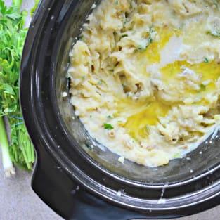 Slow cooker mashed potatoes photo