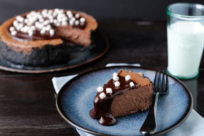 Hot Chocolate Cheesecake: Winter Wonderful