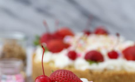 No-Bake Banana Split Pie Picture