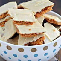 Peanut Butter Cracker Toffee Recipe