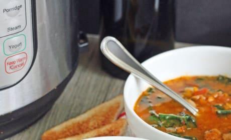 Tomato and Cannellini Bean Soup Image