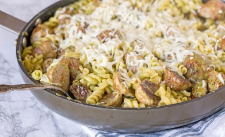 Pesto Pasta with Meatballs Recipe