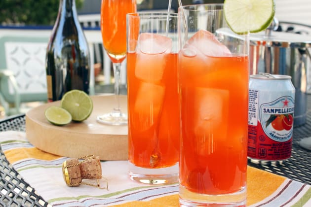 7 Cocktails Perfect for Game Night