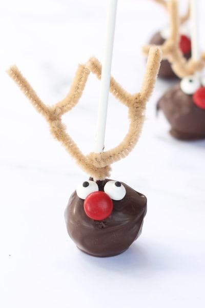File 1 Reindeer Cake Pops