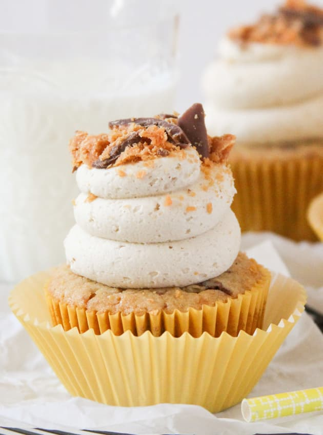 Butterfinger Cupcakes Picture