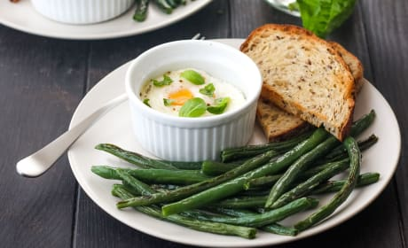 Baked Eggs and Green Beans Recipe