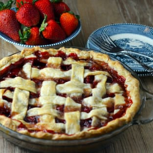Baked strawberry pie photo