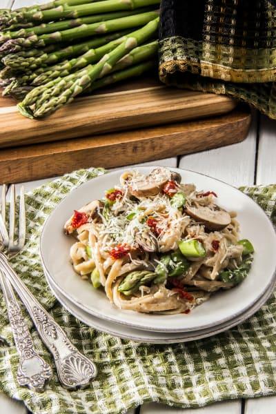 Creamy Asparagus Pasta Picture