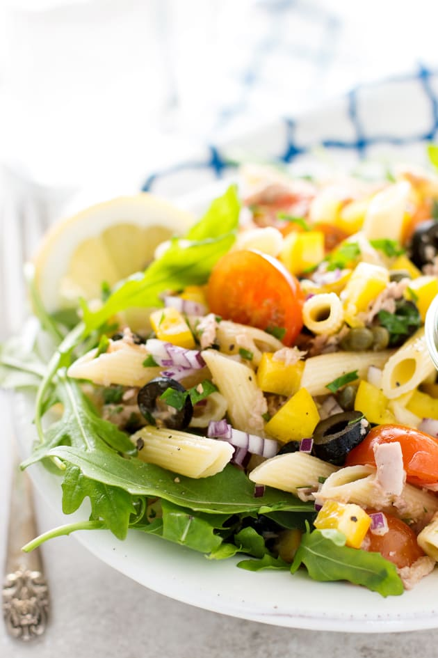 Mediterranean tuna pasta salad food fanatic for Macaroni salad with tuna fish