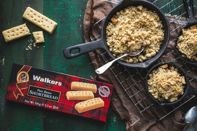 Walkers Shortbread Mini Apple Pear Crisps Photo