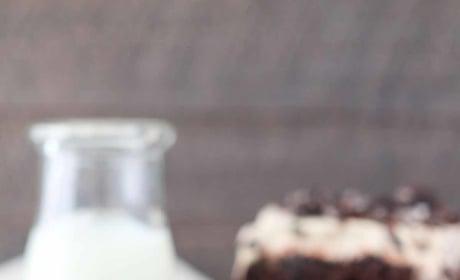 Mocha Oreo Poke Cake Image
