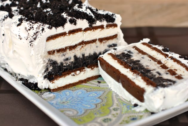 Oreo Ice Cream Cake Photo