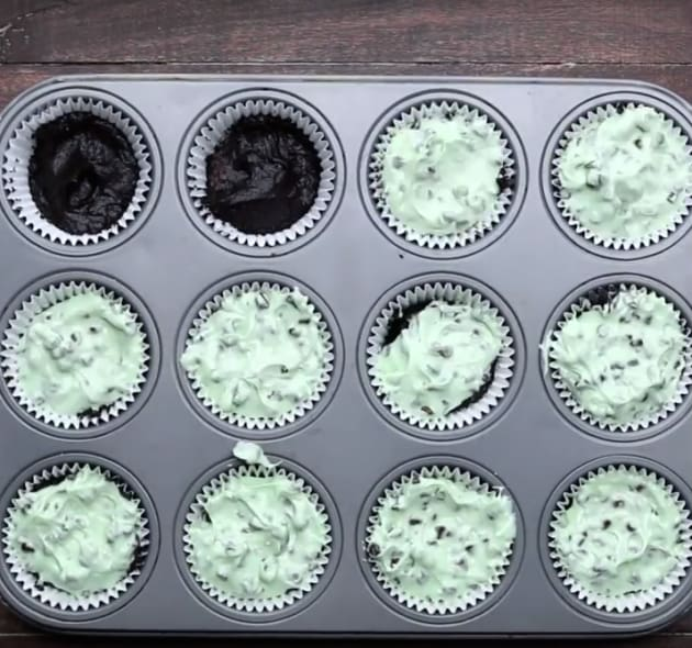 Baking Mint Chocolate Chip Cheesecake Brownies