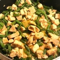Chicken and Green Beans in Garlic Sauce