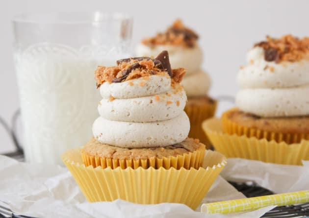 Butterfinger Cupcakes Photo