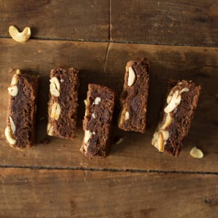 Brown butter brownies with chai photo