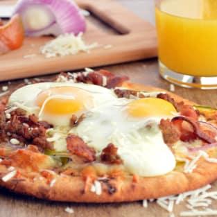 Easy breakfast pizza photo