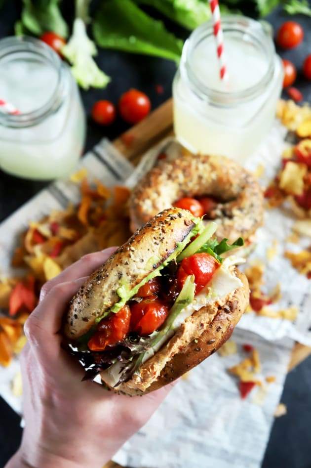 File 1 - Everything Avocado Turkey Bagel Sandwiches