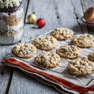 Cranberry white chocolate cookies in a jar photo
