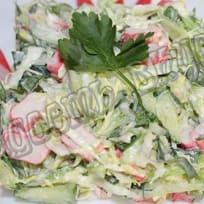 Крабовый салат с капустой и огурцом за 10 минут