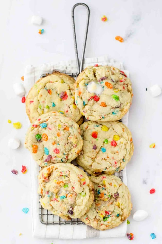 Fruity Pebble Marshmallow Cookies Pic