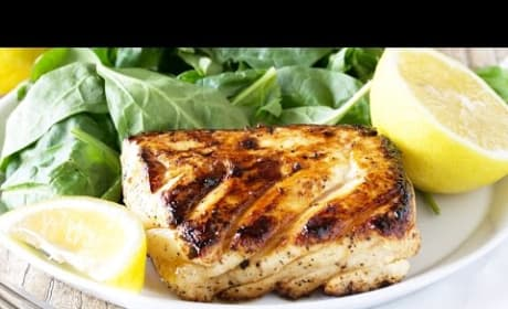 How to Make Grilled Halibut with Honey and Lemon