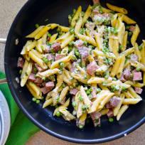 One Pot Creamy Ham & Pea Pasta Recipe