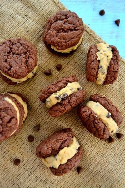 Cookie Dough Oreos Picture