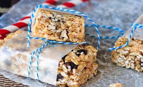 Oatmeal Raisin No Bake Granola Bars Recipe