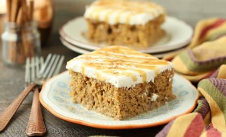 Pumpkin Spice Latte Poke Cake Recipe