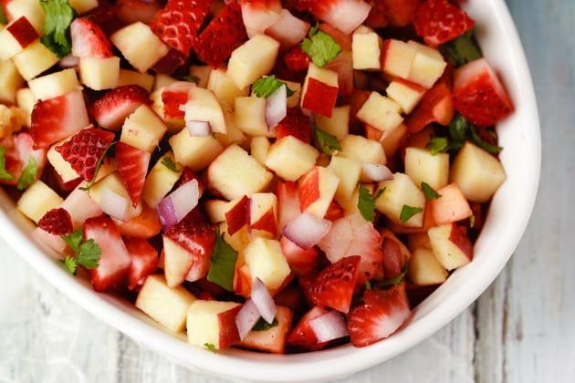Fruit Salsa with Cinnamon Wonton Chips Image