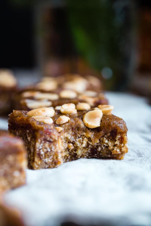 Caramel Apple Peanut Kettle Corn Bars Pic