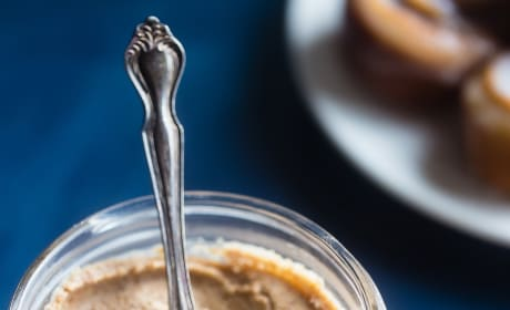 Paleo Cinnamon Roll Cashew Butter Image