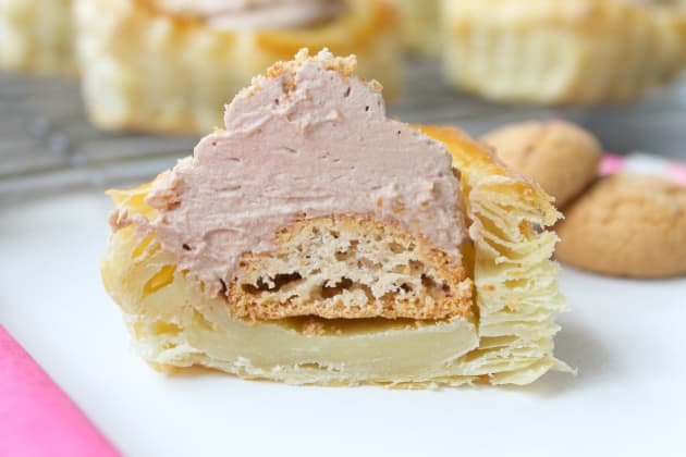 Chocolate Amaretti Mousse Cups Image