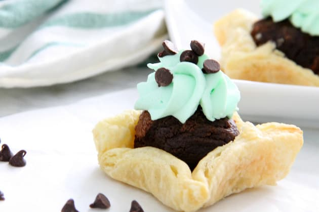 Mint Chocolate Brownie Cups Photo