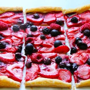 Mixed berry tart photo
