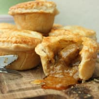 Red Beef Curry Pie