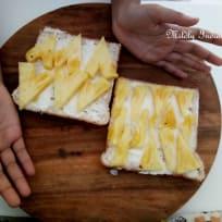 Dessert fruit sandwiches