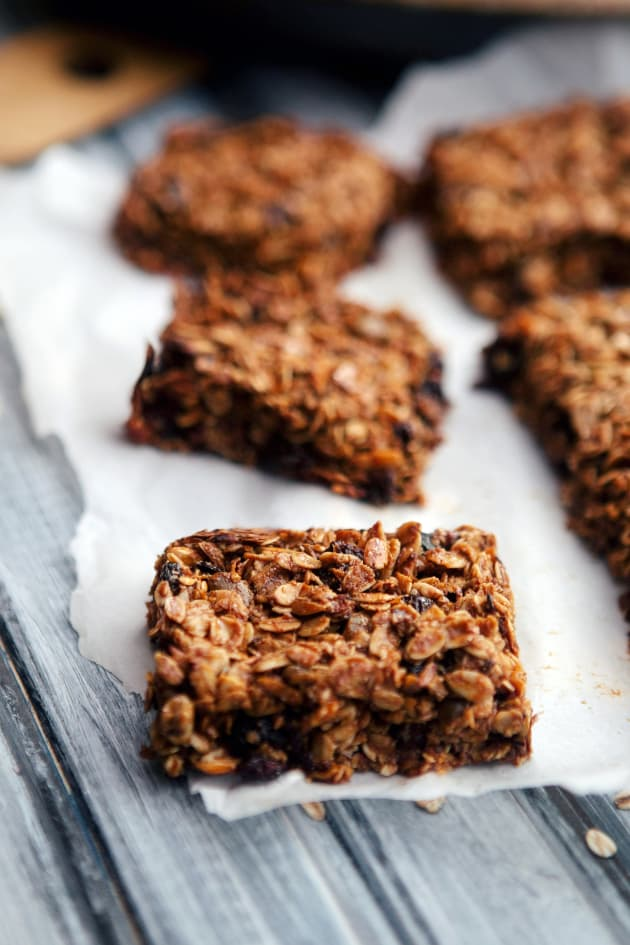 Healthy Homemade Granola Bars Picture
