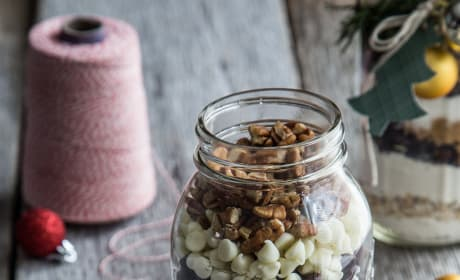 Cranberry White Chocolate Cookies in a Jar Picture