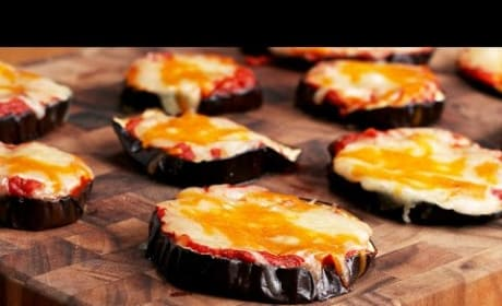 How to Make Cheesy Eggplant Pizza