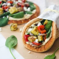 Zucchini and Hummus Pita Sandwiches Recipe
