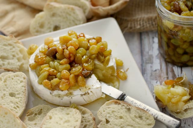 Baked Brie with Chardonnay Raisins Recipe