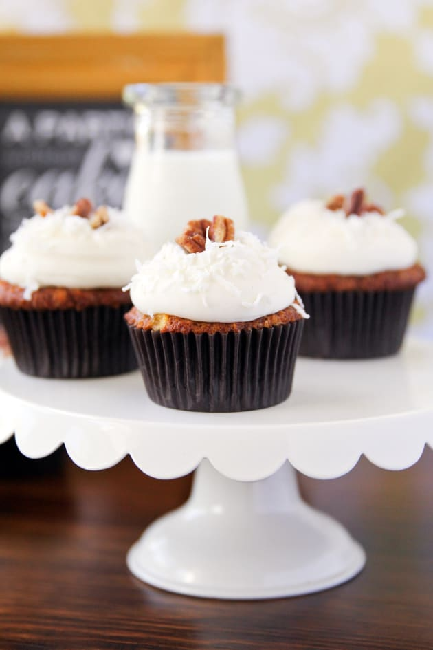 Carrot Cake Pineapple Coconut Cupcakes
