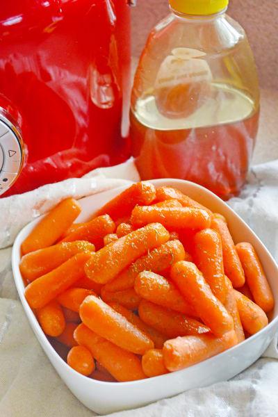 Slow Cooker Honey Glazed Carrots Pic
