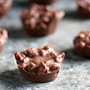 Chocolate crunch bites photo